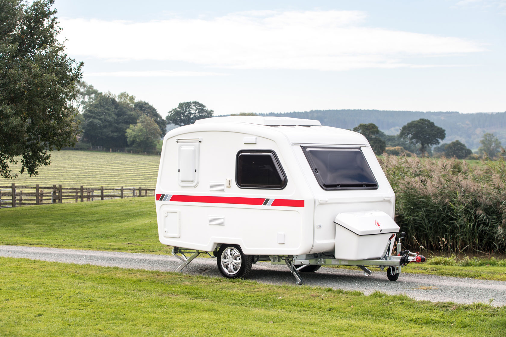 freedom-caravans-microlite-discovery-le