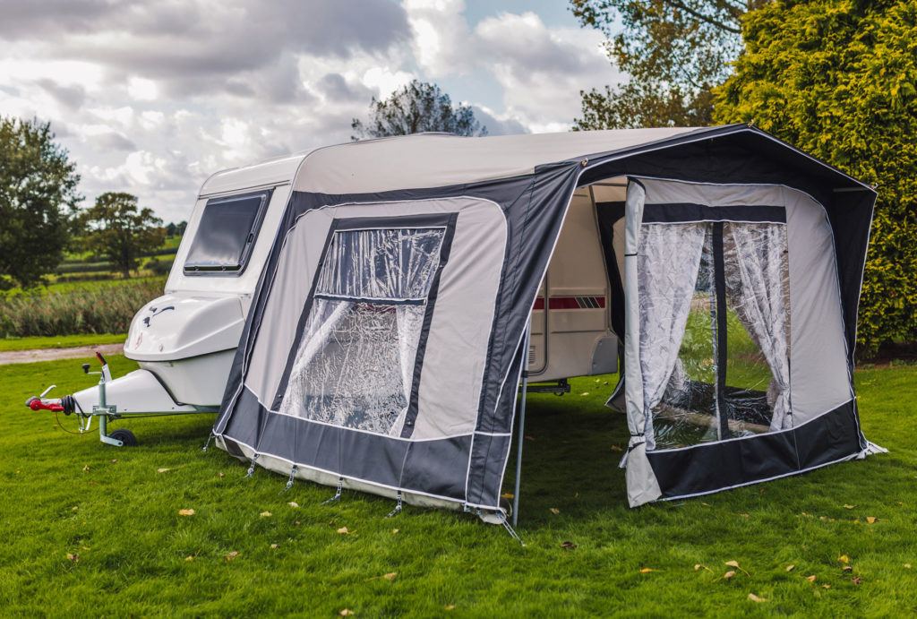 freedom-caravans-north-awning